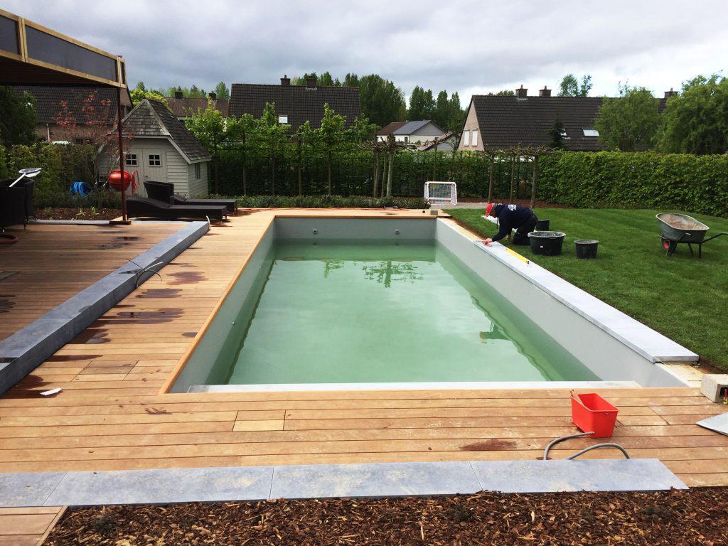 Uw zwembad laten bouwen start bij STV Pool Projects