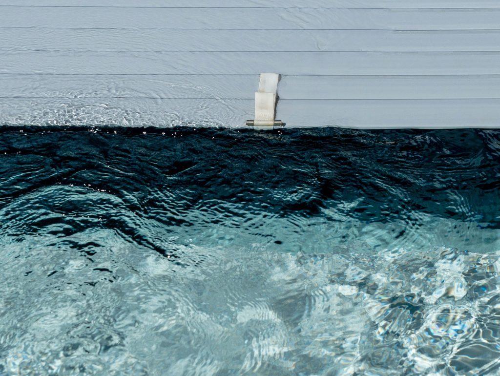 Extra bescherming zwembadrolluiken - STV Pool Projects